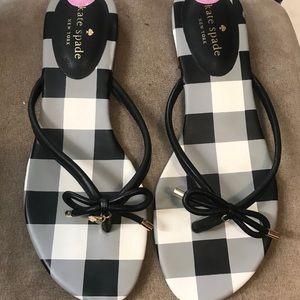 Size 8.5 Kate Spade black  flip flop sandals